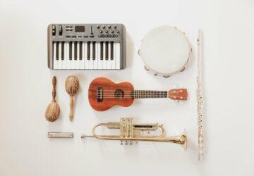 Prestations musicales : comment déclarer que je joue plus d'un instrument sur un enregistrement ?